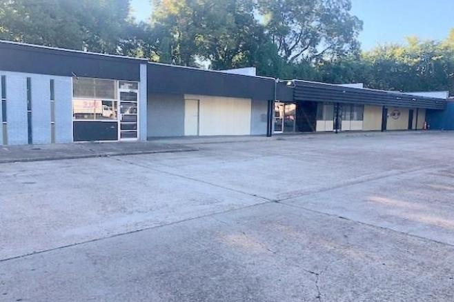 shopping center for sale in alexandria, la